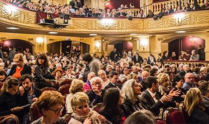 Best Shows in Paris Public